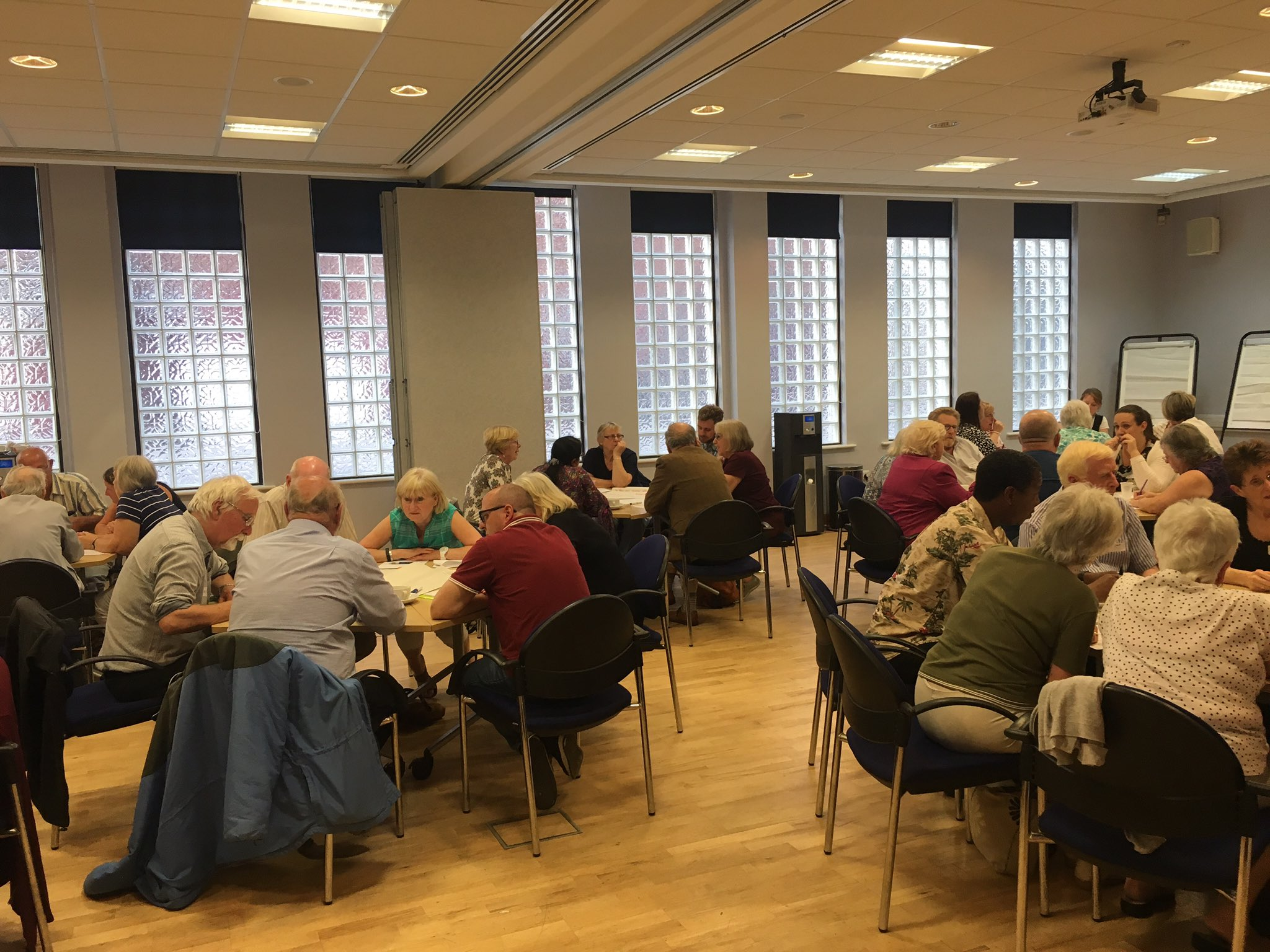 It's great to see so many people at the Patient Participation Group meeting #PPGsheffield https://t.co/9gx8xaOXQg