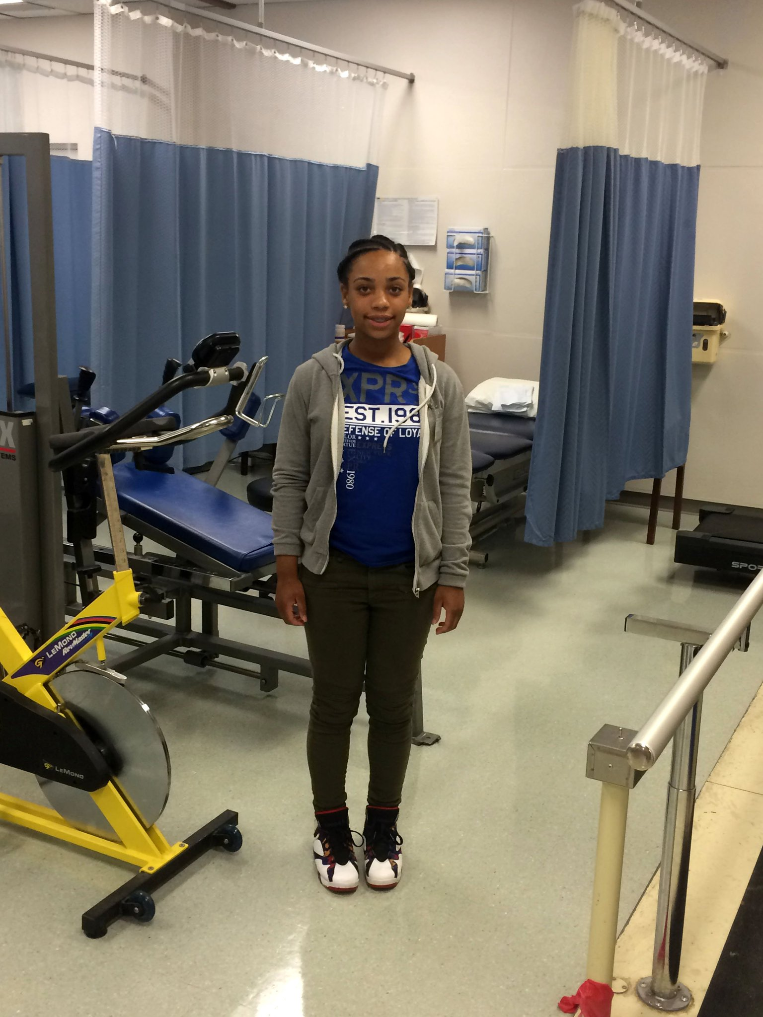dc public schools on knakiya of easternhs is shadowing dc public schools on knakiya of easternhs is shadowing physical therapists through the pediatrics and icu wings at medstarhealth