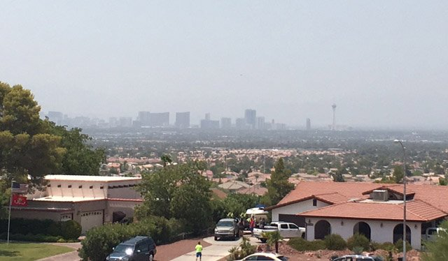 @ClarkCountyNV - extends smoke and ozone advisory extended through Friday due to fire in Santa Clarita 8NN