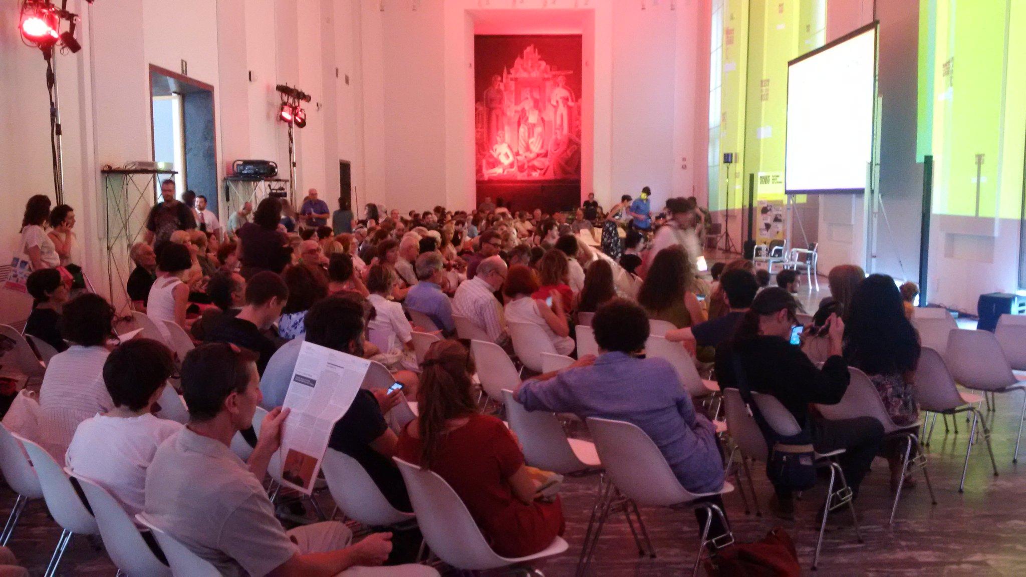 Sala piena @LaTriennale per #Appadurai @mmguru #Futuro #Culturale https://t.co/C5uJBZEUtx