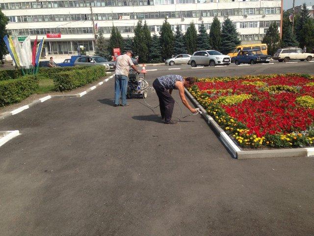 Продолжается благоустройство площади Ленина в Узловой