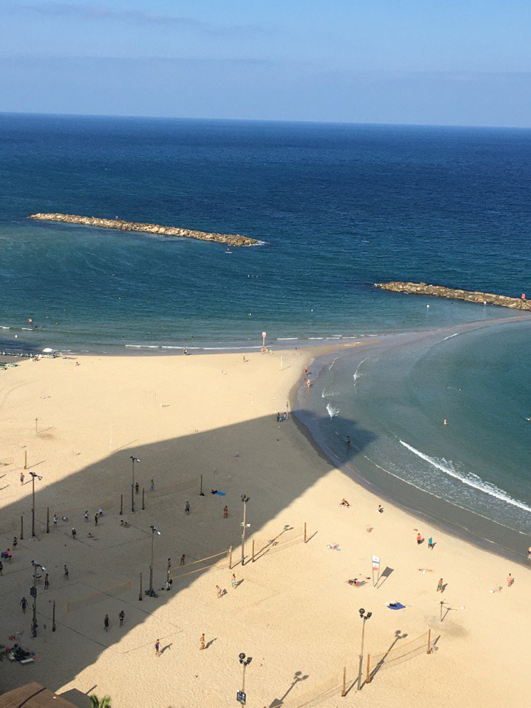 I&#39;m in Tel Aviv- #Ecowave Power; pioneers in #Wave Energy technology<br>http://pic.twitter.com/67y4j0eC51