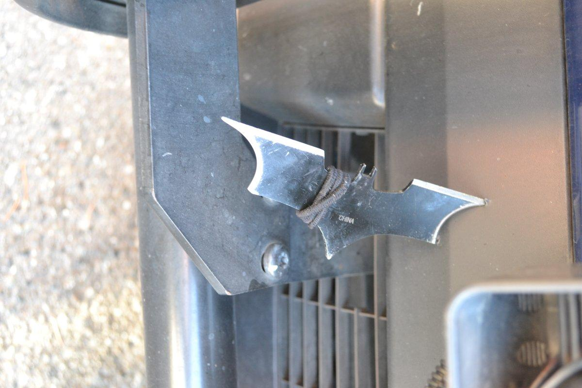 Wannabe Batman arrested after sticking Seattle police car with Batarang