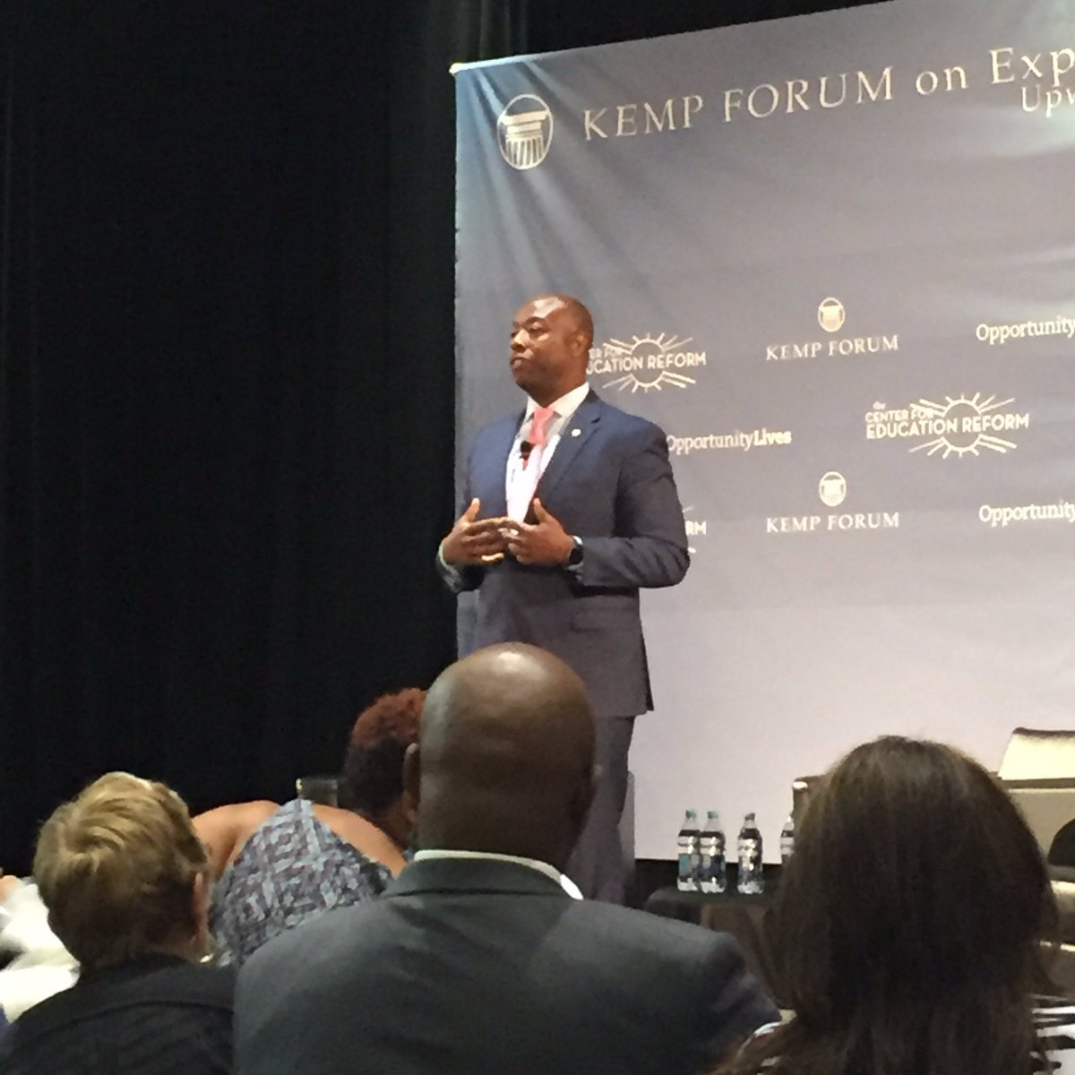 """I believe in love, dignity, work, and the power of education."" @SenatorTimScott #KempForum16 https://t.co/8Ykth9WYF2"
