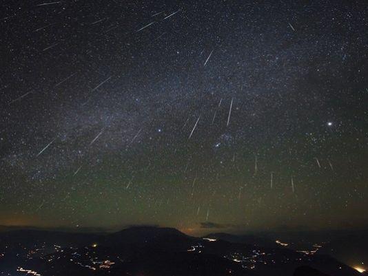 Delta Aquarid meteor shower to light up night sky https://t.co/WWZINddRVu via @usatoday (Photo: KING-TV)