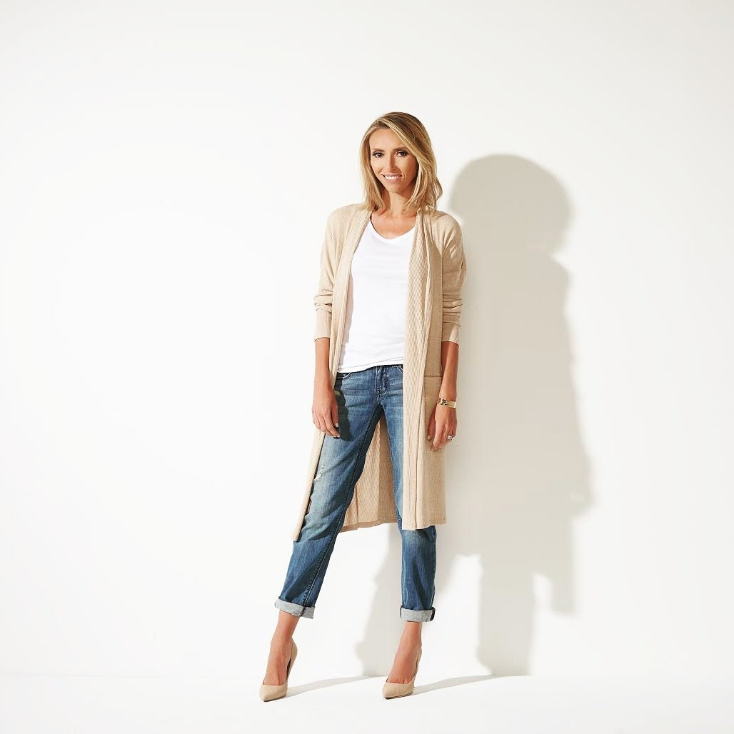 Only 10 more minutes to grab my amazing denim at less than $50 and free shipping! Go to https://t.co/bdQslknuwI now! https://t.co/UrLpyVw6Jl