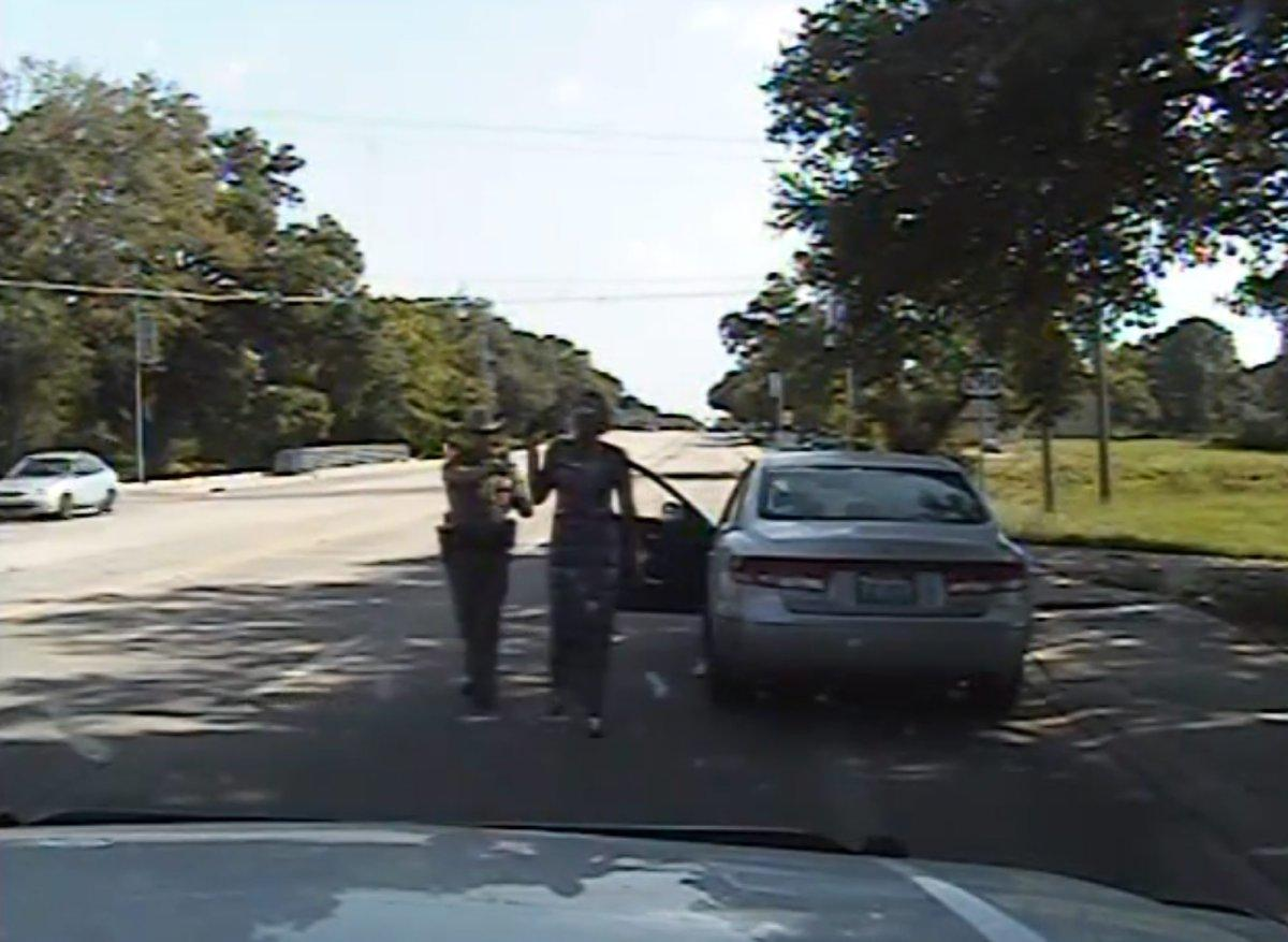 A cop who wanted to testify on Sandra Bland's behalf was threatened into silence