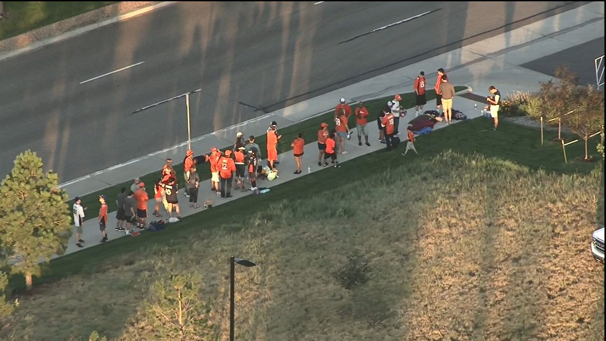 That is a pretty good crowd ready to get in and see the @Broncos first day of training camp.