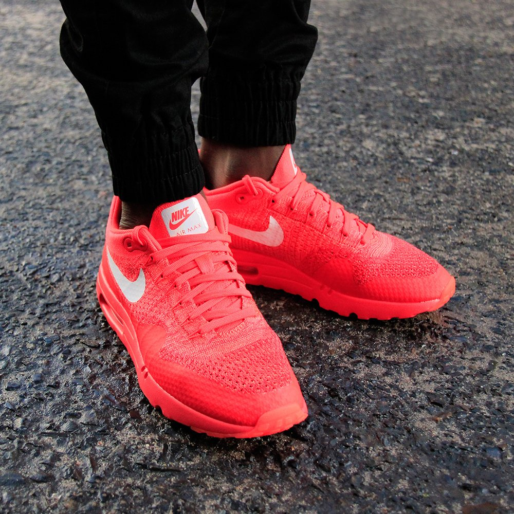 nike air max 1 flyknit crimson