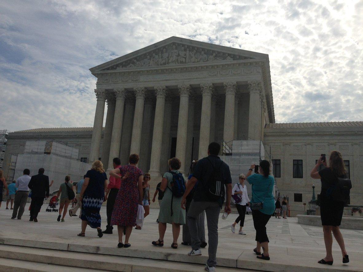 #FF2016 fellows visiting the SCOTUS! @BRInstitute https://t.co/2EvR4X7HeN