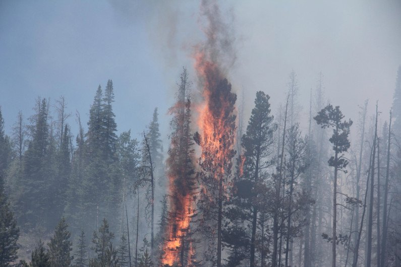 BeaverCreekFire blows up Wednesday in hot, humid and windy weather