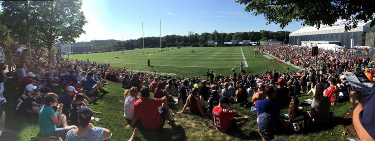 Foxborough is packed with fans as Patriots open training camp