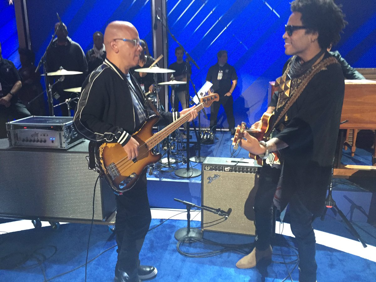 Rockin' out with @LennyKravitz at #DemsInPhilly #DemConvention #DNCinPHL shout out to @RobinMeade for the Love https://t.co/0mWRUbvKh5
