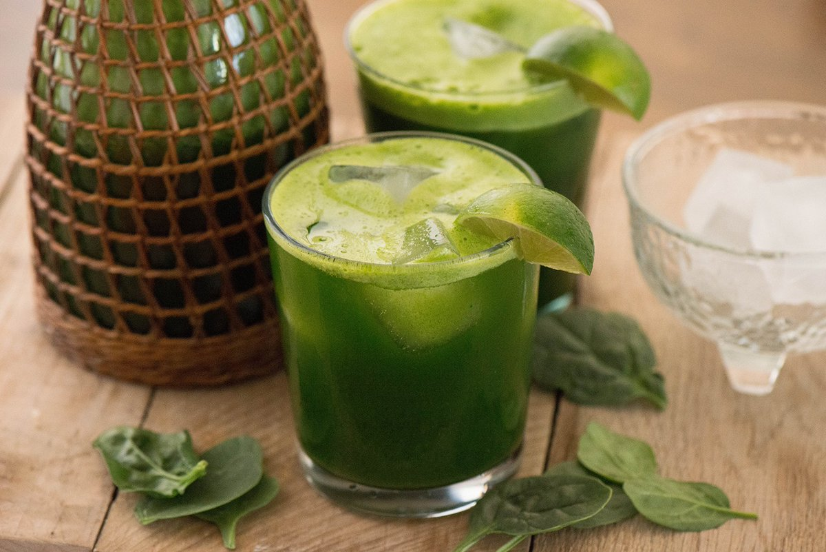 Beat the heat today w/Spinach Lime Agua Fresca. New on the blog! https://t.co/d2fv3jhNAF #ad #recetasparamomentos https://t.co/pnivZF8X9n