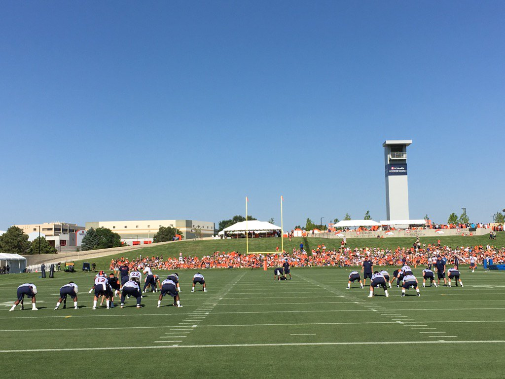 Broncos QBs getting their reps in Thursday. As promised, Sanchez running with the 1s