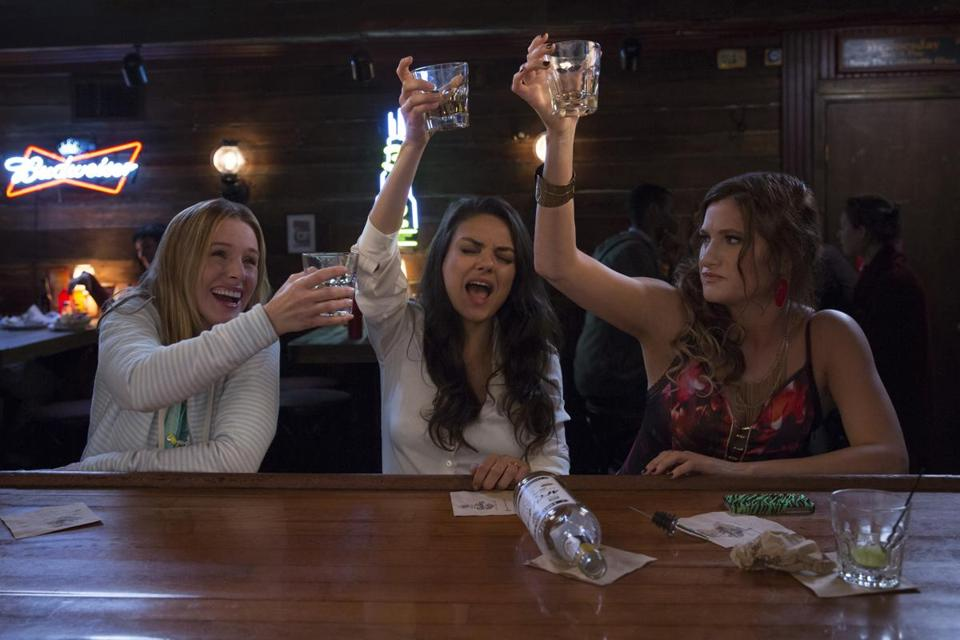 Review: 'Bad Moms' is 'The Hangover' for suburban mothers. But it fails in the execution