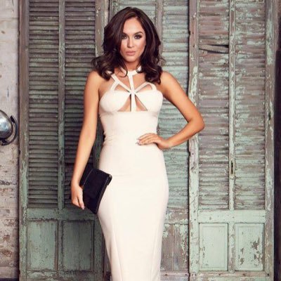 RT @FubarRadio: The gorgeous @VickyPattison is on the line with @steveleng & @lizziecundy right now!  https://t.co/3vfgmArdSQ https://t.co/…