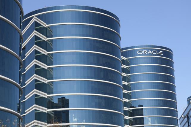 .@Oracle boosts cloud services with $9.3 billion @NetSuite deal https://t.co/04u7myxDbj https://t.co/n3nmIbvz8T