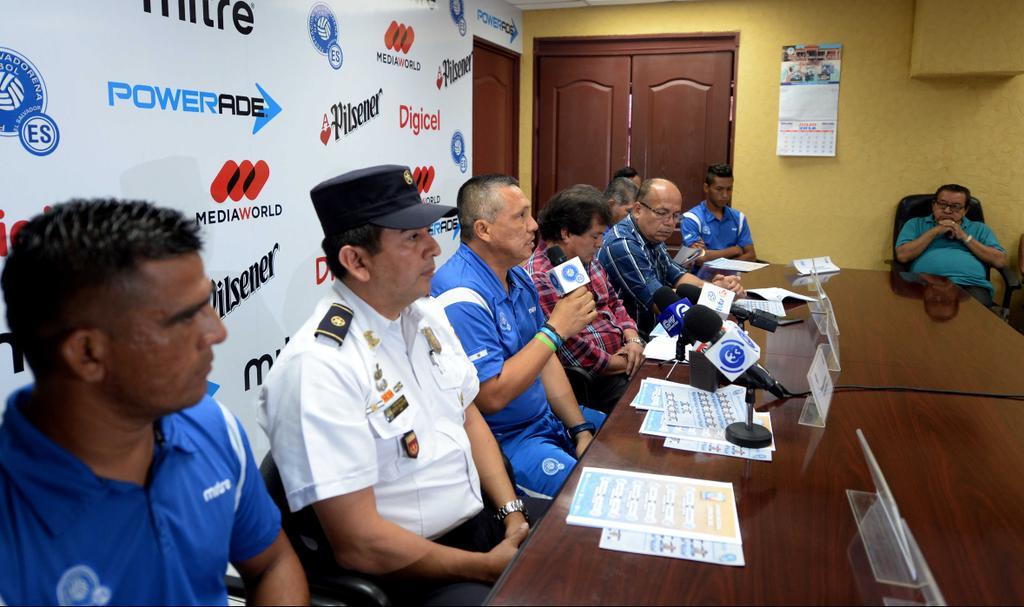 Torneo UNCAF 2016 en El Salvador. CoeHkNAUMAExNBY