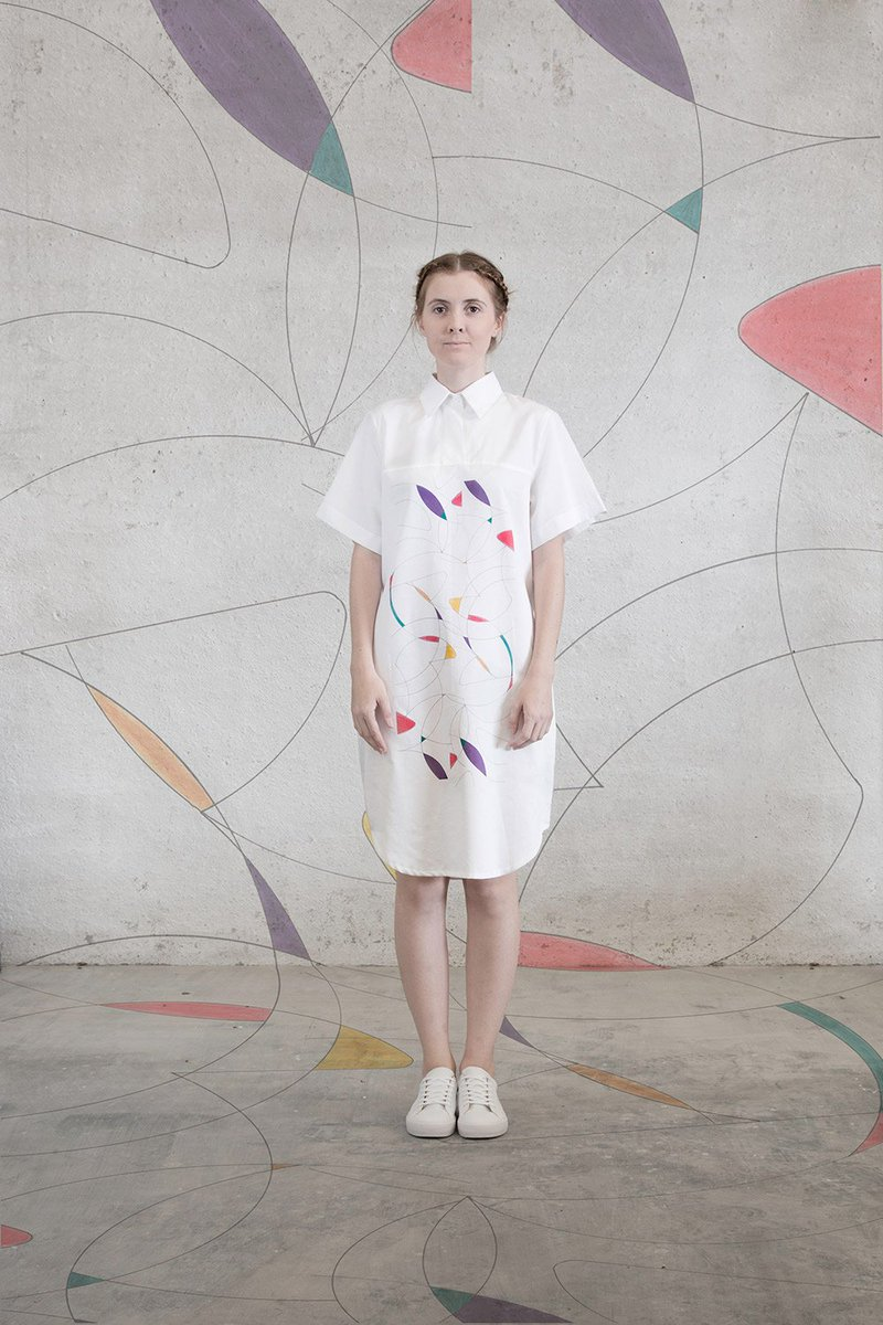 entrevistamos a la joven artista y diseñadora Ana Gabarrón, creadora de la marca Funny Swing ow.ly/RV0V302HSVL