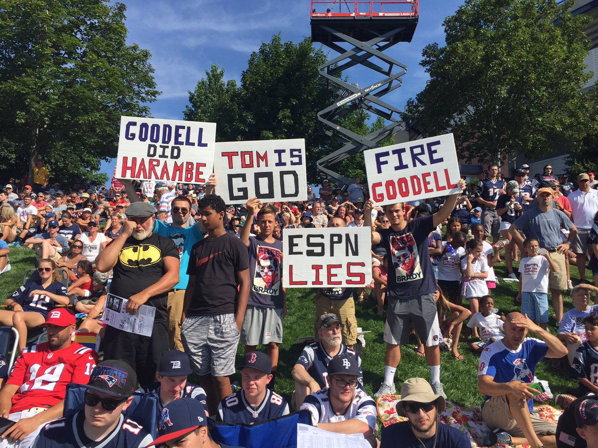 Here's visual proof that Patriots fans aren't ready to forgive Roger Goodell freebrady