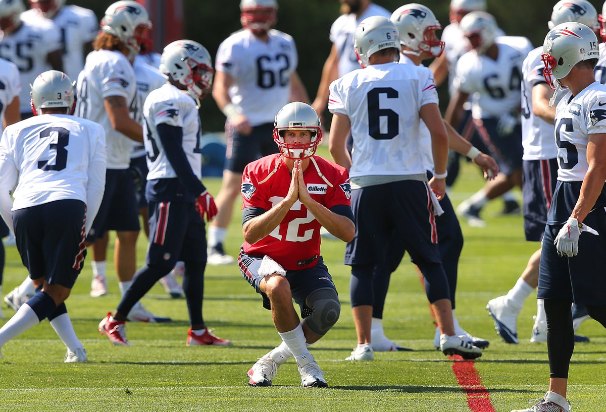 Patriots training camp report: Tom Brady quietly goes about his business