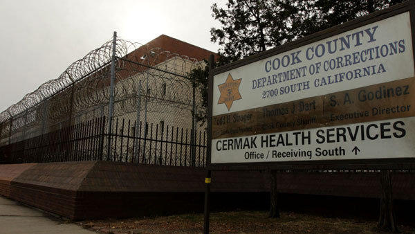 2 Cook County Jail inmates take over housing area, take hostage