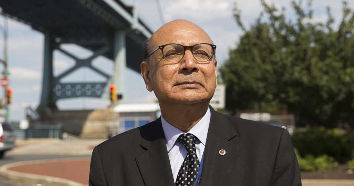 Speaking now at the DNCinPHL, Khizr Khan. Here's what he told @Haleaziz