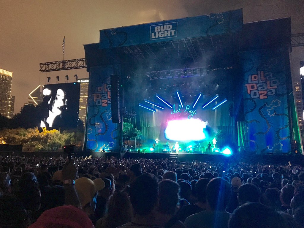 3 years ago, Lana Del Rey's set was drowned out by Nine Inch Nails on this stage. Tonight, she headlines. Lolla2016