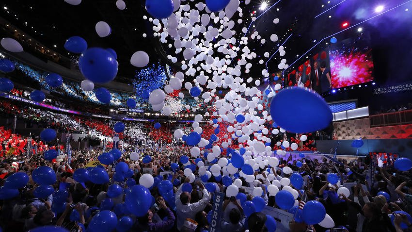 Balloons! Images from day 4 of DemsInPhilly