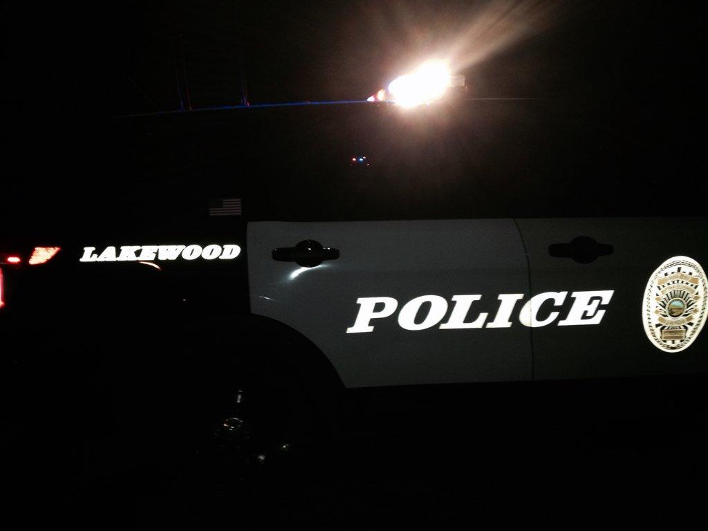 JUST IN: Felony suspect, bail bondsman shot in Lakewood home via @kierannicholson