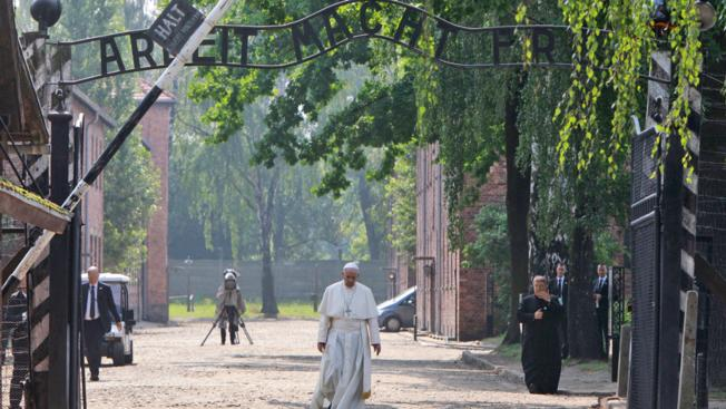 Pope Francis visits Auschwitz: