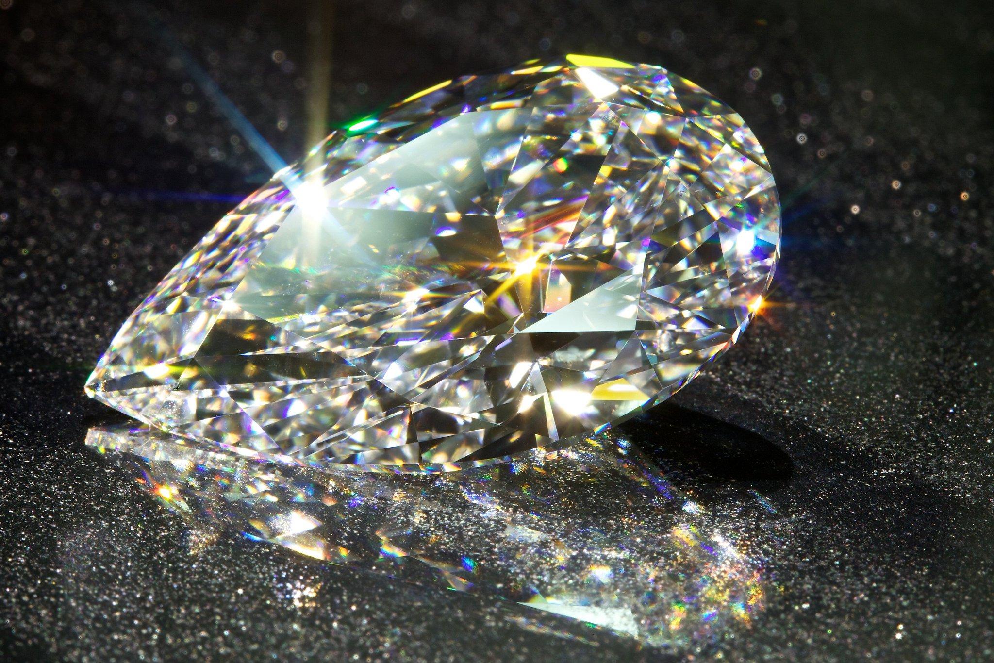картинка бриллианты в движении нее готовят пышное