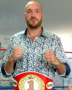 @Tyson_Fury Fury gets the first ever BoxRec belt: https://t.co/iGu454YzkN https://t.co/La1vqvFfL9