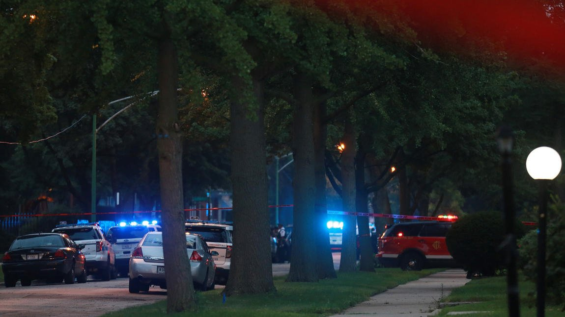 Chicago police: Officers kill 18-year-old suspect in stolen Jaguar who sideswiped squad car