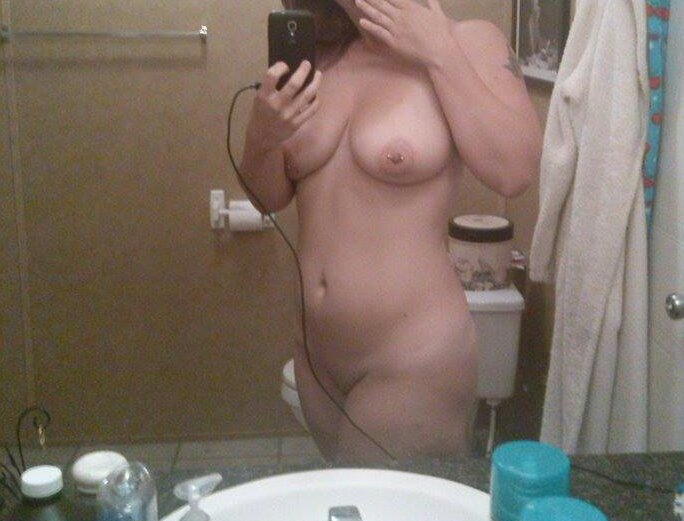 Nude Selfie 7483