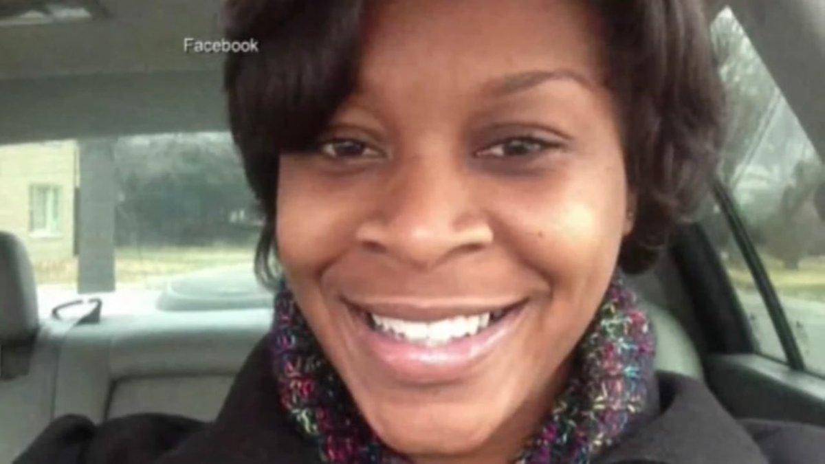 Officer says prosecutors silenced him in Sandra Bland case