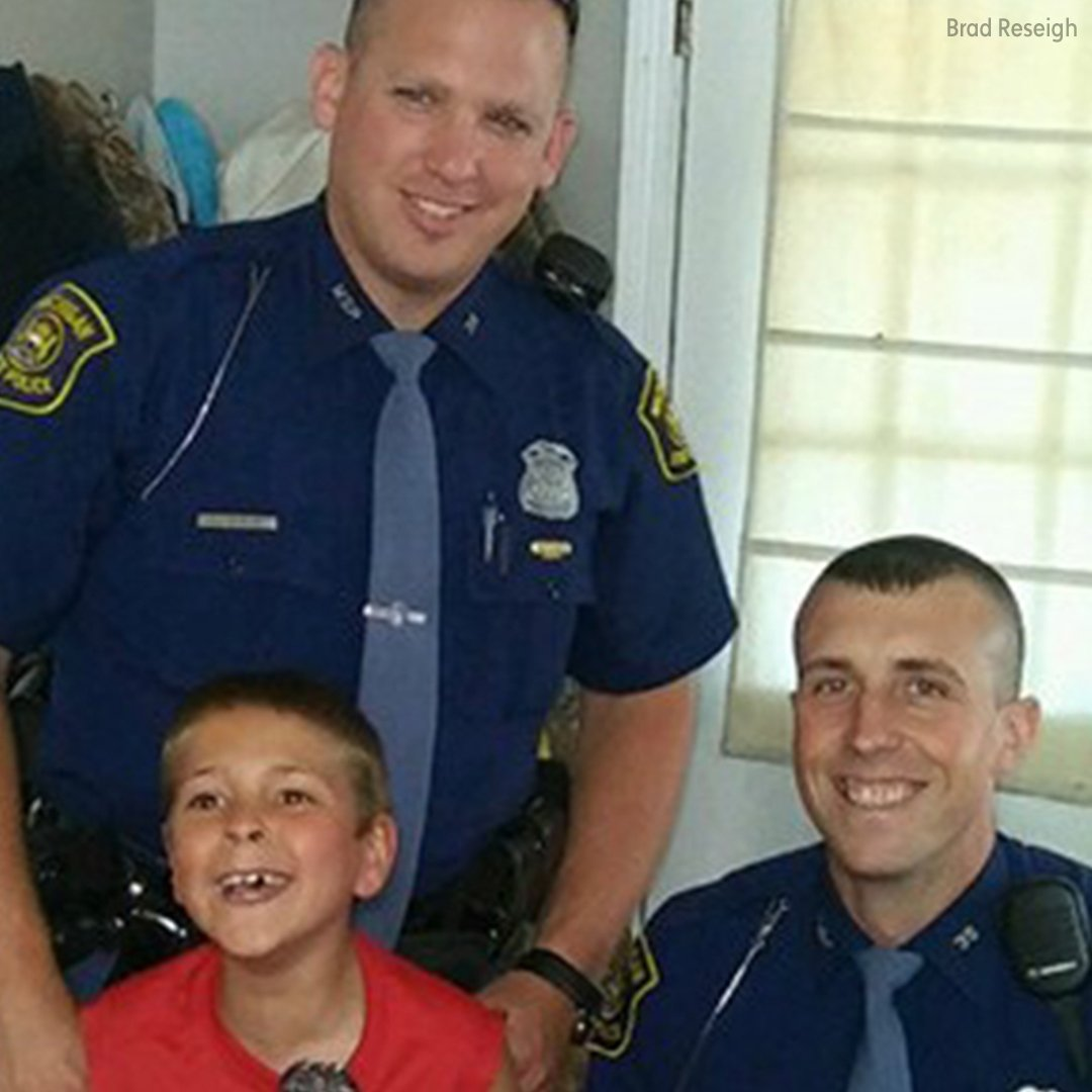 8-year-old w/ cerebral palsy gets surprise when 2 cops crash his birthday