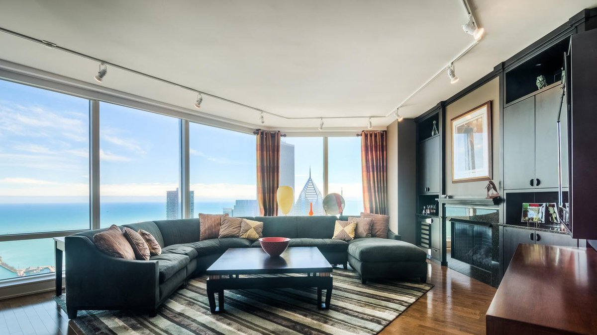 Home of the day: Trump Tower condominium listed for $1,419,000
