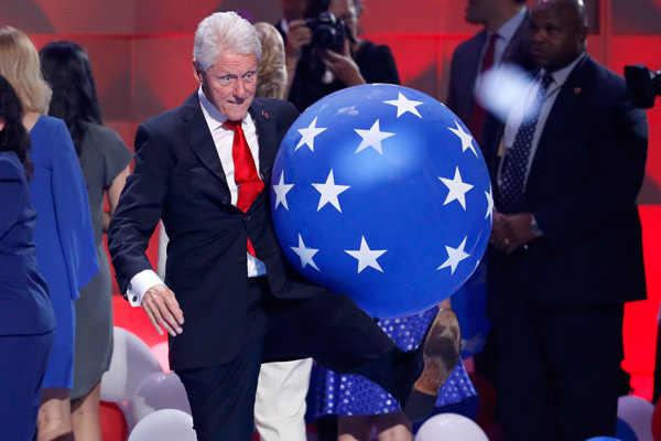 Former president Bill Clinton loves balloons at DNC