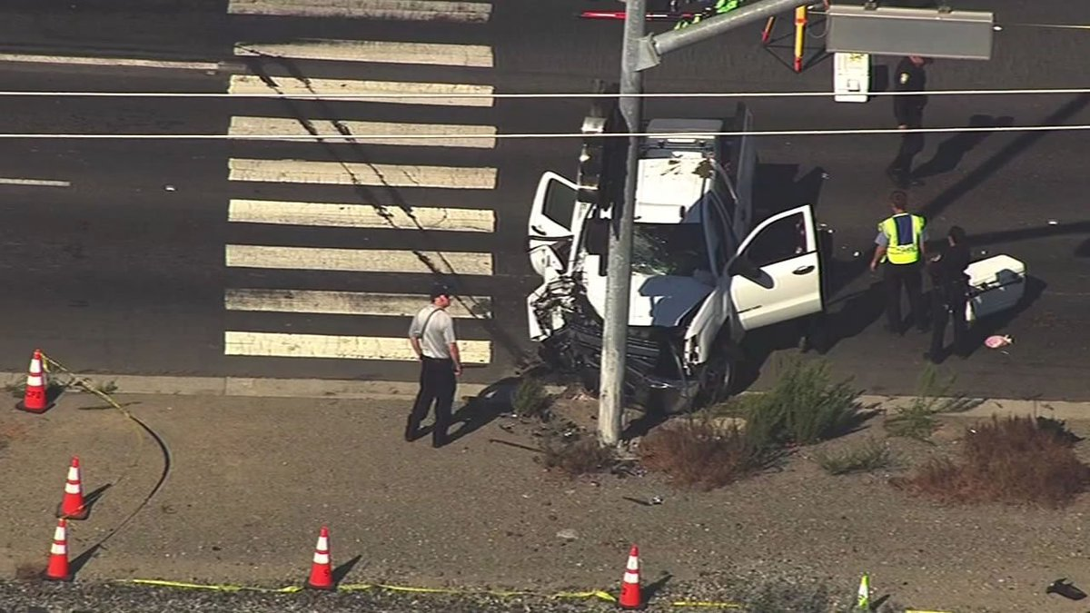 A teen was killed and 5 others were injured in a car crash in Santa Clara on Lafayette St.
