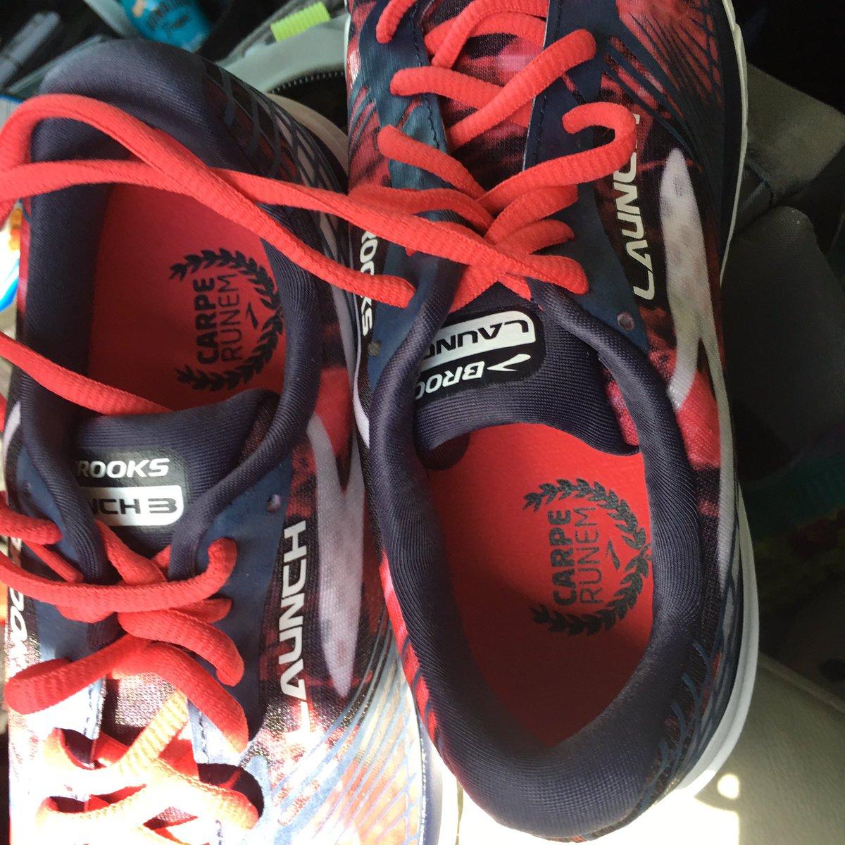 Brooks running shoes - Carpe Runem