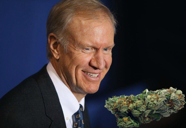 Illinois Gov. Bruce Rauner signs bill decriminalizing small amounts of marijuana