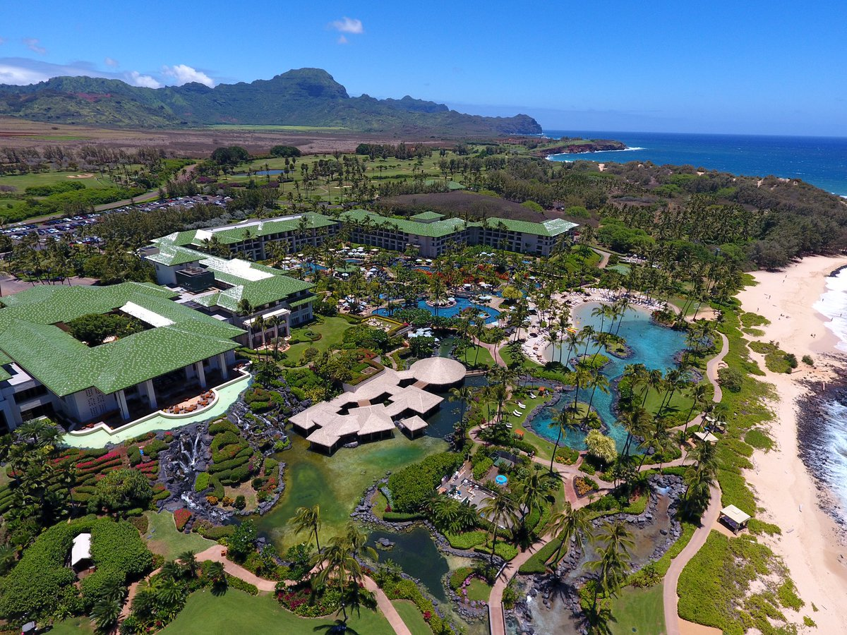 Blue skies for miles and another beautiful day in sunny Poipu! Happy #AlohaFriday! #nofilter #livinggrand https://t.co/RV2JtyPBkG