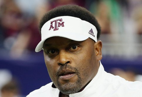A&M suspends 2 assistant coaches after presentation at women's clinic