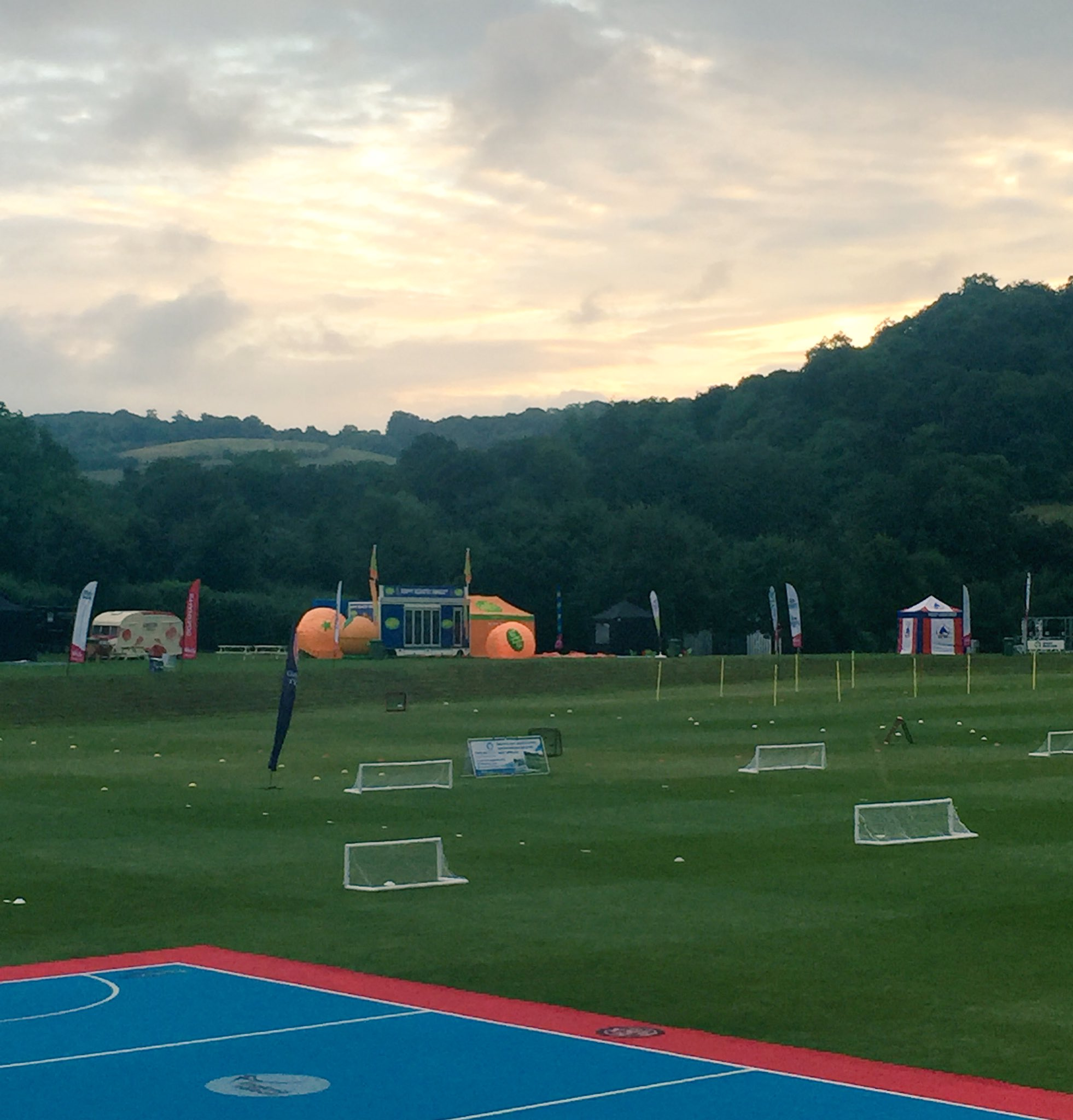 RT @SportFest2016: Good morning!! Are you on your way to @WormsleyCricket?? We cannot wait to see you! Let's do this! #sunrise #sport https…