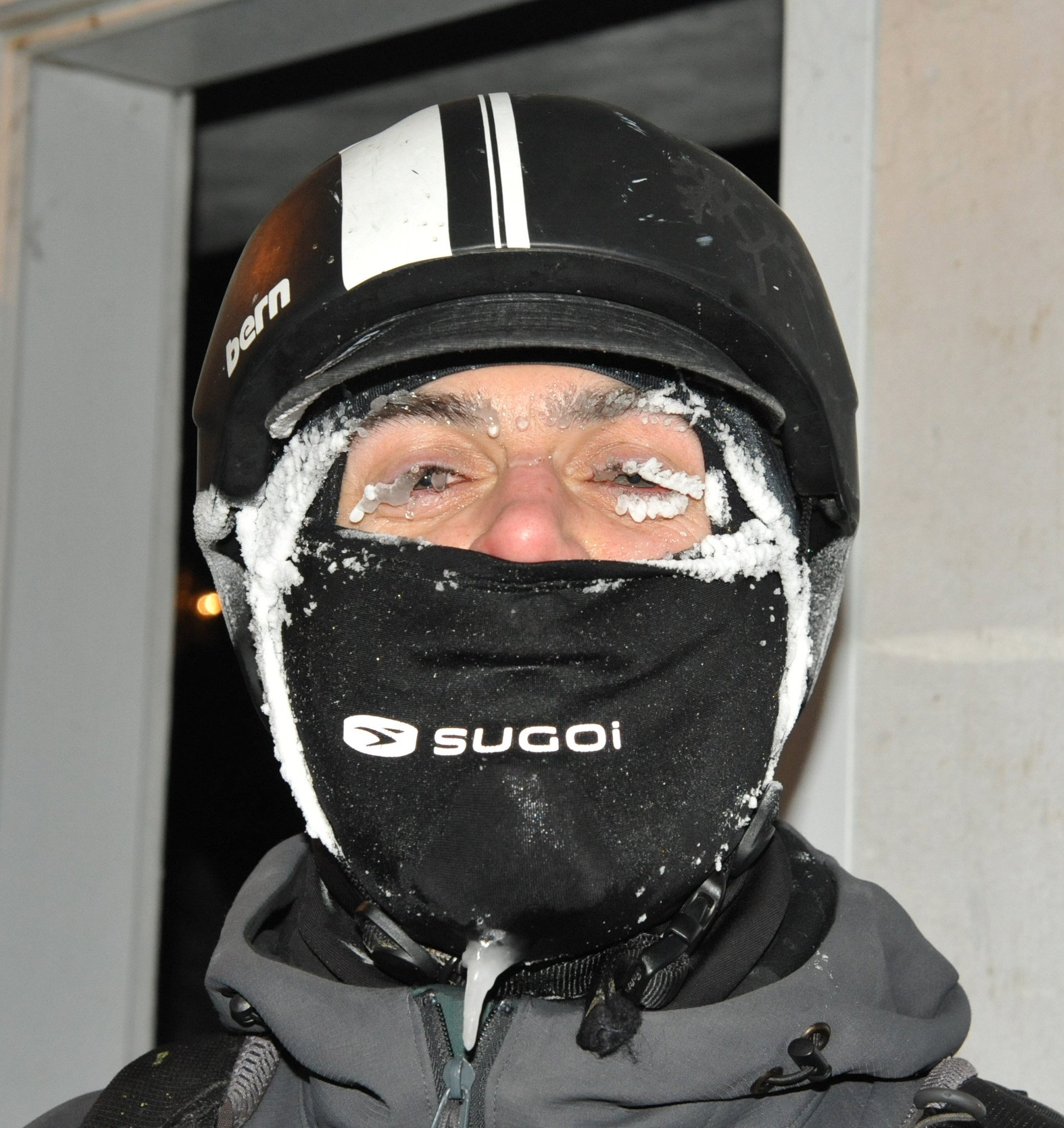 In appreciation of my goofy colleagues 3: Rowan Barrett shows how to bike 20 km in -30C. @RDHBarrett https://t.co/NNVymiUOdk