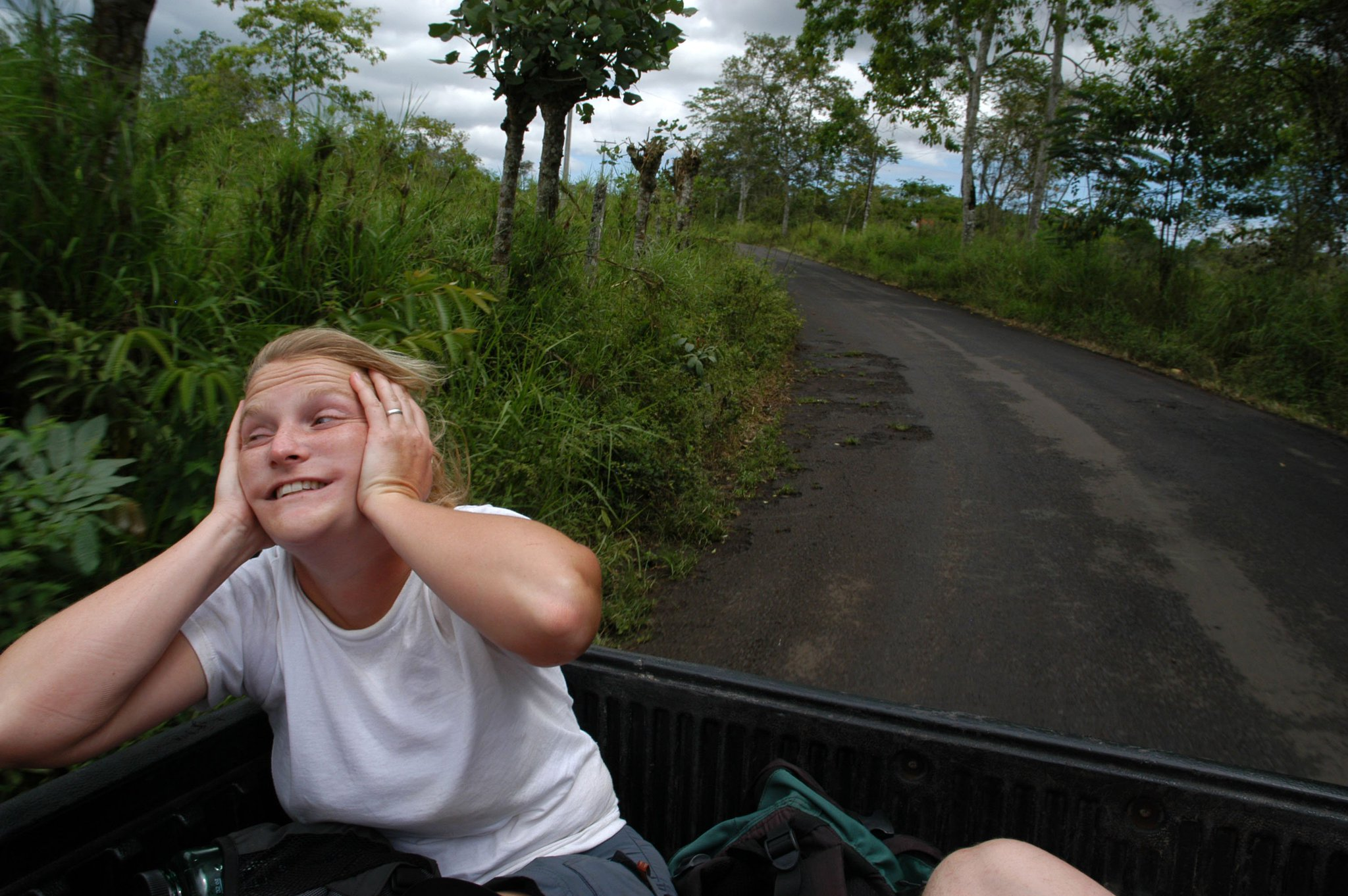 In appreciation of my goofy colleagues 16: @SarahHuberVIMS shows how to ride in the back of a Galapagos taxi. https://t.co/y771F8Uwga