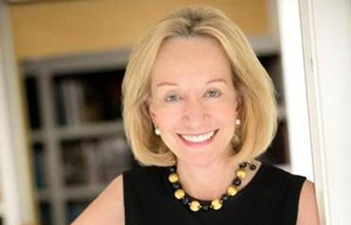 Doris Kearns Goodwin talks politics with Colbert