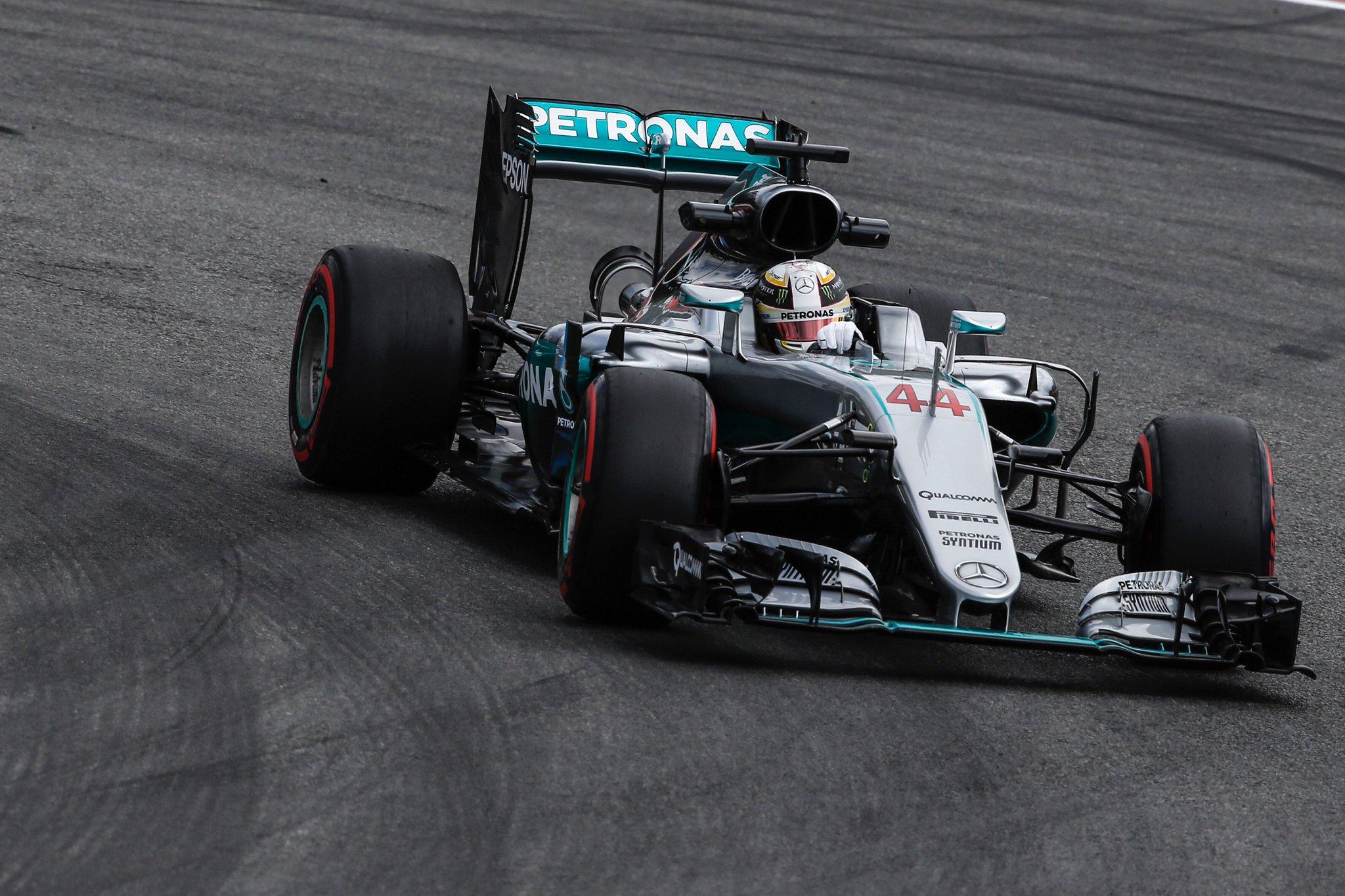 #FP3 up next, who's tuning in!? #GermanGP #F1 #TeamLH #F1istZurueck @MercedesAMGF1 📸 x @suttonimages https://t.co/tODmlct9FT